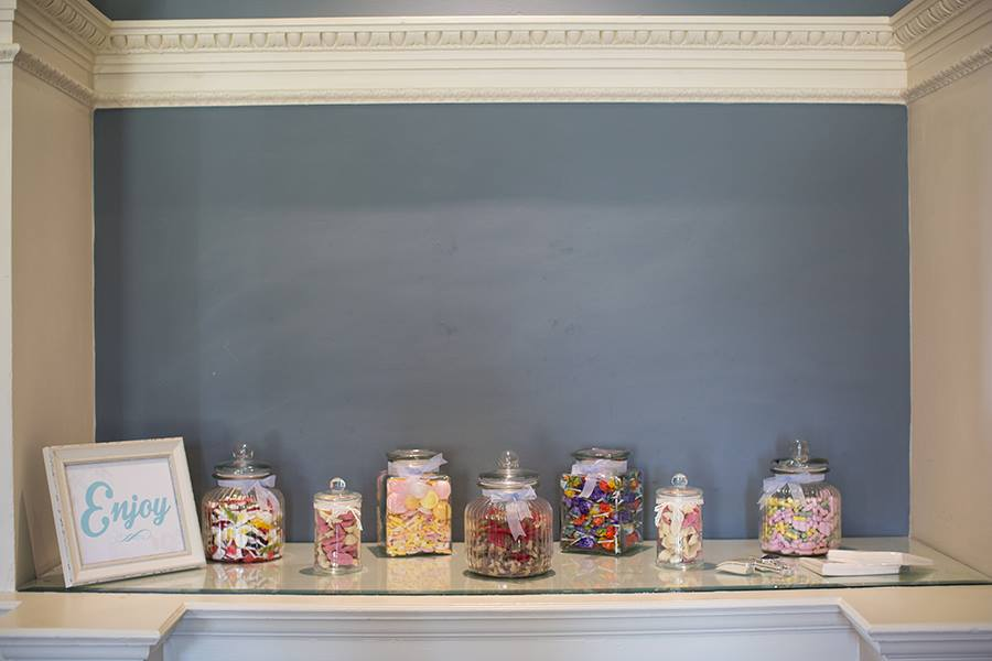 Why you should have a Sweetie table at your wedding!